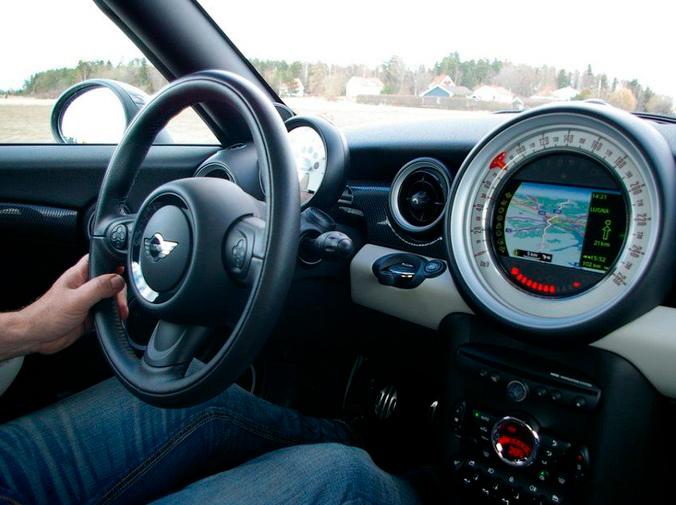 Cuidado con las distracciones al volante